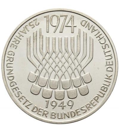 RFN 5 marek 1974 F, 25 - lecie Konstytucyjności