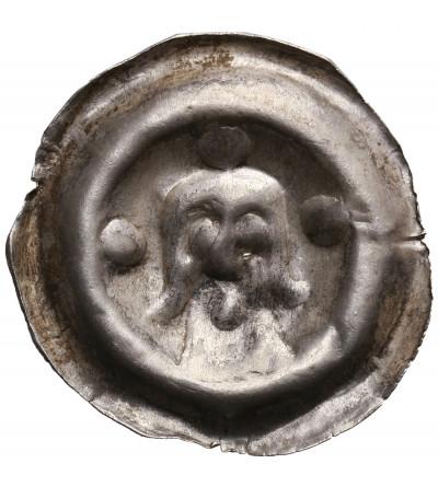 Polska, emitent nieokreślony. Brakteat guziczkowy II połowa XIII wieku, Popiersie z długimi włosami na wprost